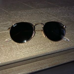 Ray-Ban Classic Round gold metal G-15 lens